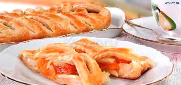 изготовление пирога с яблоками из слоеного теста